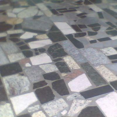 Caco granito misto cimagran for Modelos de pisos de granito